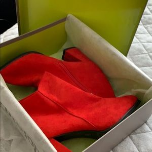 Shoes - Brand new red suede bottles